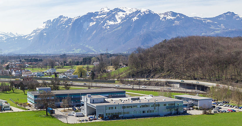 [Translate to English-US:] Photo of the Amann Girrbach headquarters